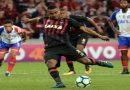 Atlético goleia do Bahia e entra no G6 da Série A do Brasileirão